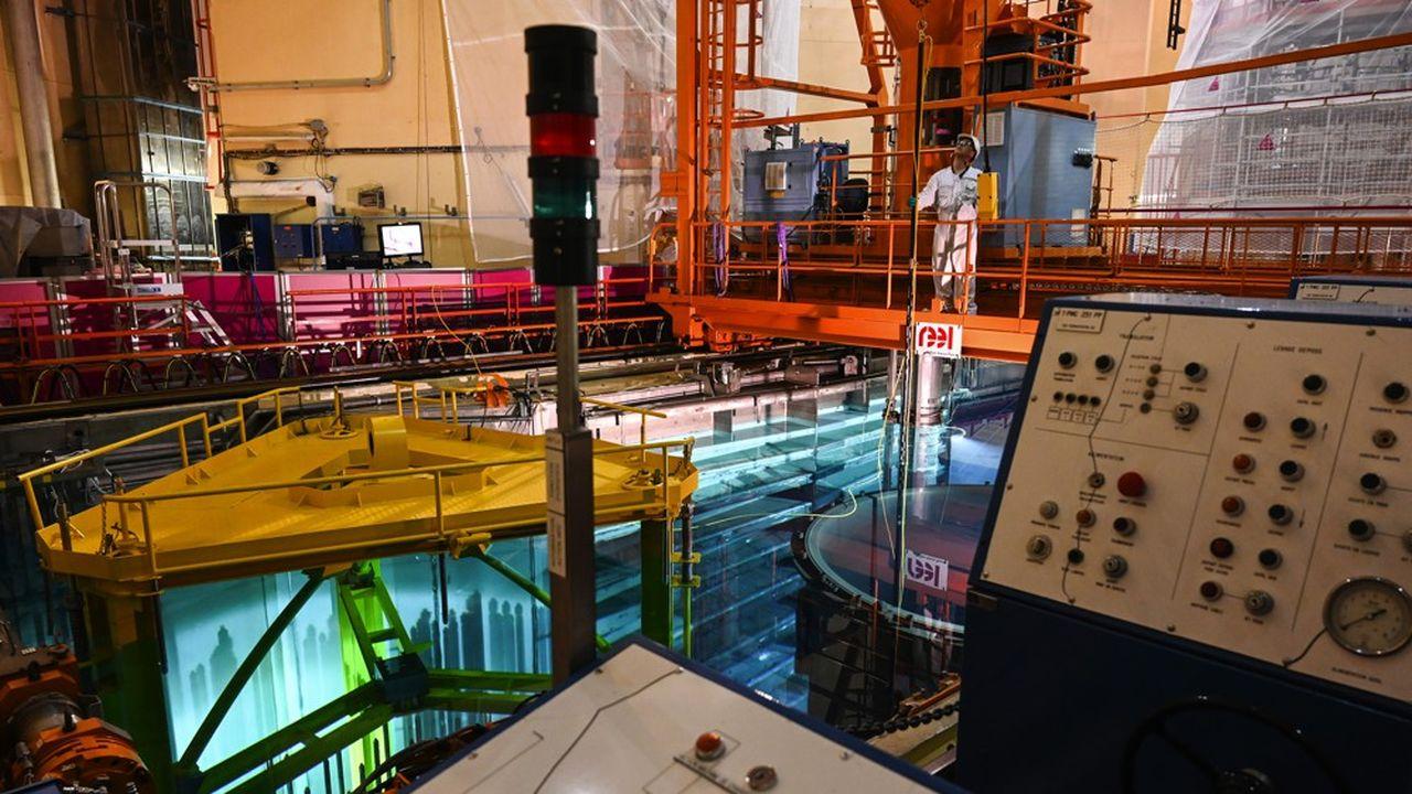 Le réacteur numéro un de la centrale nucléaire de Tricastin (Drôme) a démarré il y a tout juste un mois la quatrième visite décennale qui doit lui permettre de prolonger son exploitation dix années supplémentaires.