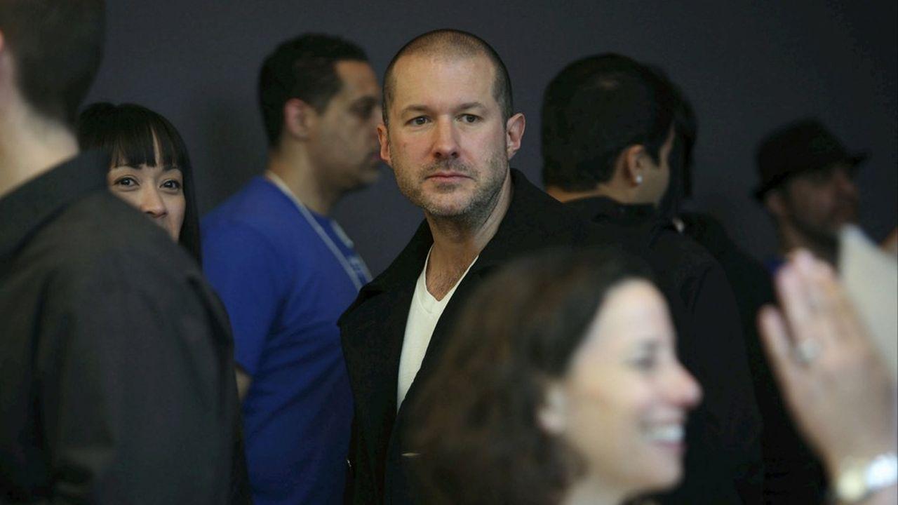 Jony Ive, le designer en chef d'Apple, est le deuxième haut dirigeant à avoir quitté la firme californienne en l'espace de cinq mois.