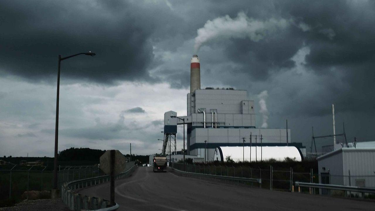 «Chubb reconnaît la réalité du changement climatique et l'impact considérable de l'activité humaine sur notre planète», a déclaré le directeur général de l'assureur Chubb (photo: l'usine à charbon de Maidsville en Virginie-Occidentale)