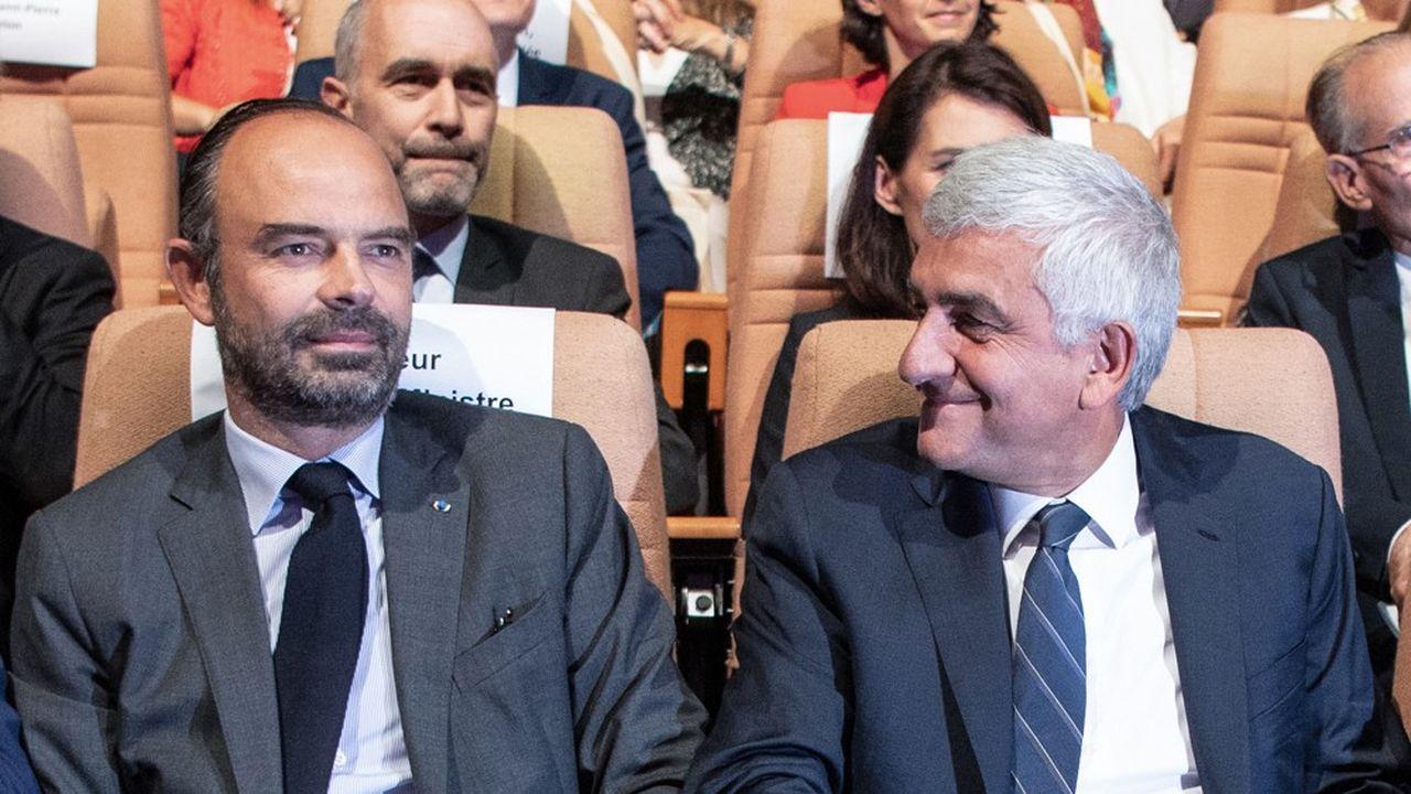 Le Premier ministre, Edouard Philippe, et le président de Régions de France, Hervé Morin.