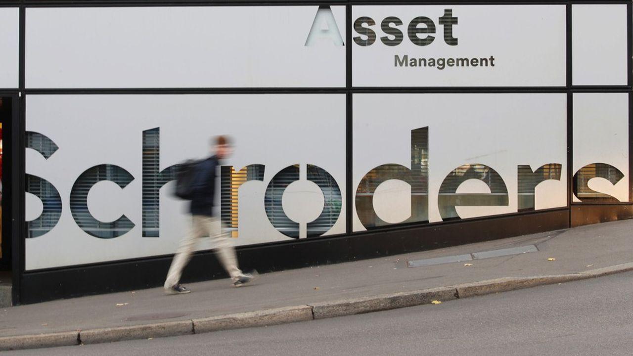 A partir d'études académiques Schroders a mis au point un outil qui permet d'estimer l'impact social et environnemental d'une entreprise en termes financiers.