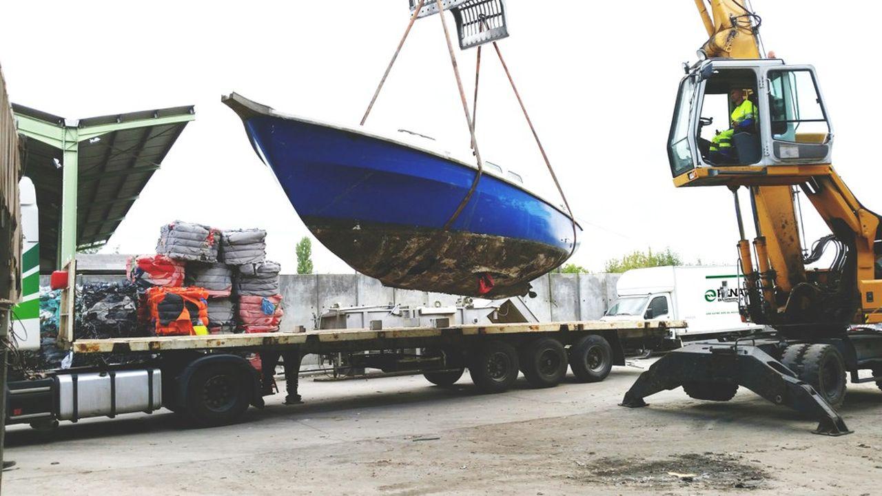 Seulement 2.500 bateaux ont été démantelés au cours des années écoulées. Désormais, tous les bateaux de plaisance doivent être déconstruits pour être recyclés.