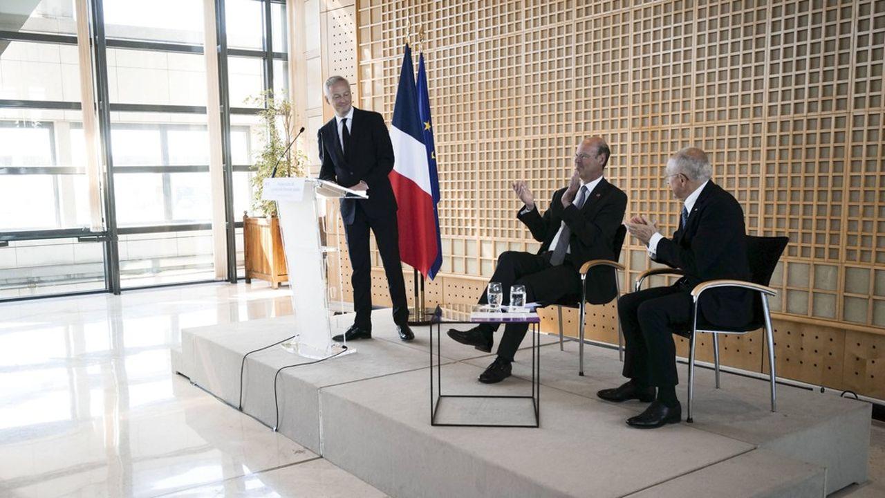 A Bercy, Eric Lombard, PDG de la CDC, Bruno Le Maire, ministre de l'économie, et Philippe Wahl, PDG de la Poste présentent le grand pôle financier.