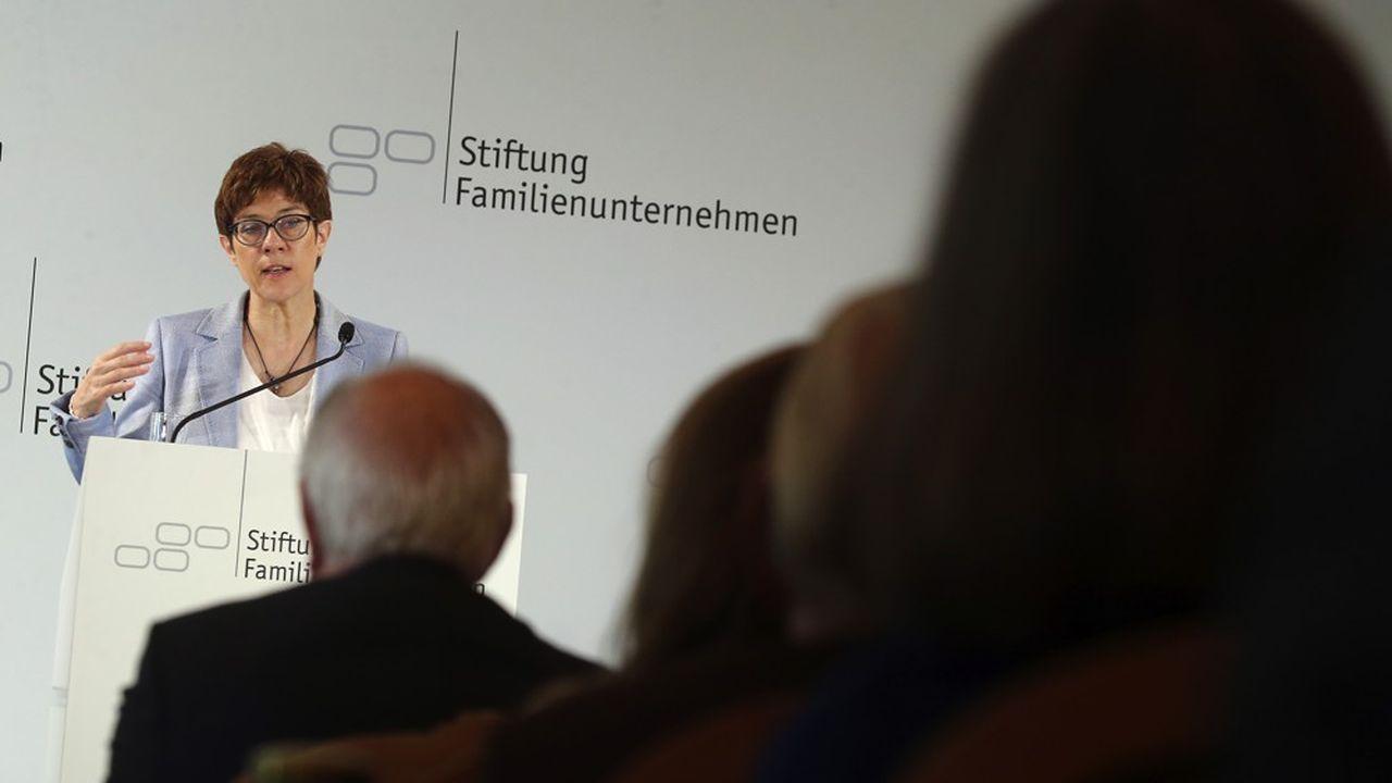 La présidente de la CDU, Annegret Kramp-Karrenbauer, s'est montrée réceptive vendredi dernier aux attentes des 350représentants du Mittelstand venus l'écouter. Mais elle n'a pas pris d'engagement clair.