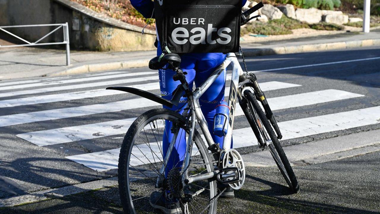Uber Eats estime à plus de 120.000 le nombre de restaurants potentiellement concernés par l'ouverture de son application numérique, dont 28.000 en France. A titre de comparaison, « l'appli» en agrège aujourd'hui 15.000 en France.