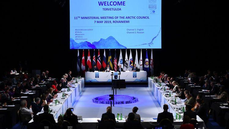 Créé en 1996, le Conseil de l'Arctique réunit les huit pays riverains du cercle polaire : Canada, Danemark (Groenland et Feroé), Etats-Unis, Finlande, Islande, Norvège, Suède et Russie.