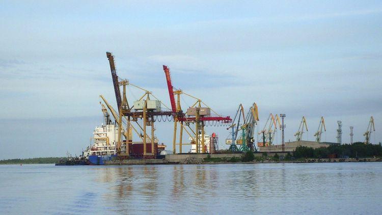A Arkhangelsk, les terminaux de l'actuel port ont été modernisés et digitalisés.