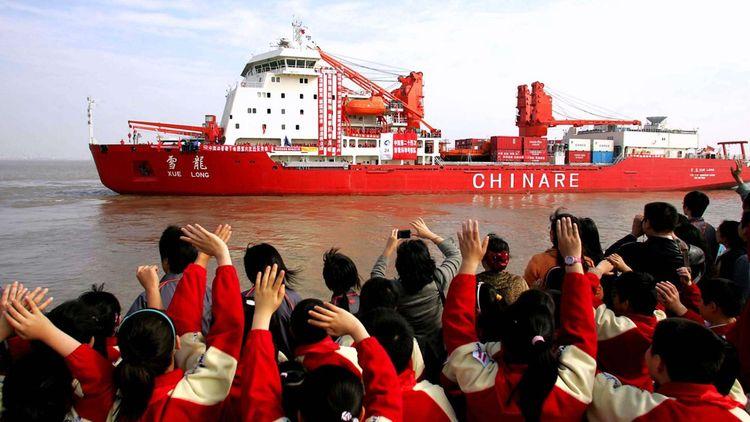 Le brise-glace chinois « Xue Long » est régulièrement en mission polaire pour mener des analyses avec des drones sous-marins.