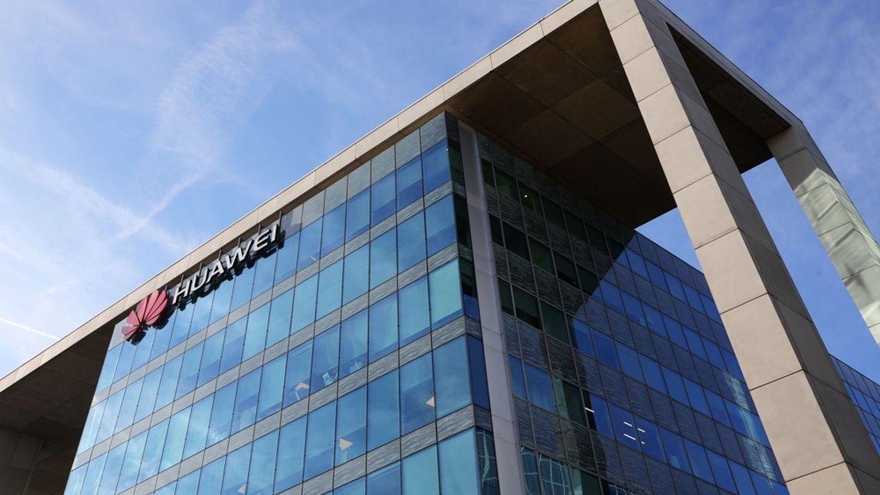 Le siège de Huawei France à Boulogne-Billancourt. Le groupe chinois, premier équipementier mondial et deuxième fabricant de smartphones, est présent dans l'Hexagone depuis plus de 15 ans.