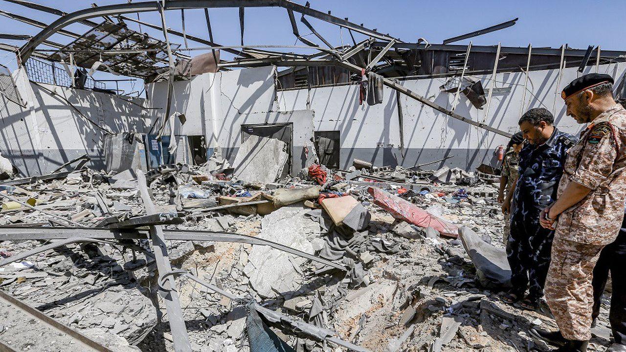 Quelque 120 migrants se trouvaient dans le hangar n°3 qui a été visé et détruit dans le raid.