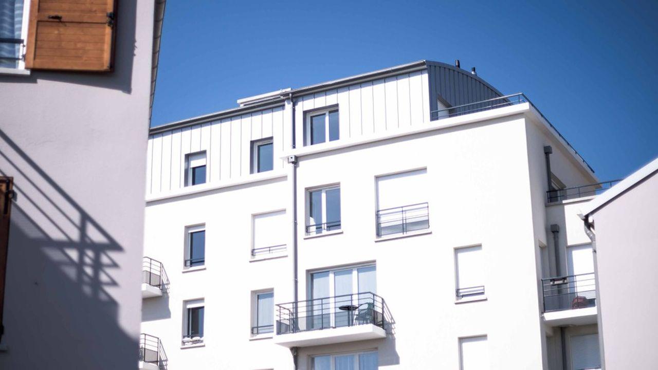 Un immeuble HLM à Trappes, dans les Yvelines. En Ile-de-France, 210.000 locataires du parc social sont demandeurs d'un nouveau logement.