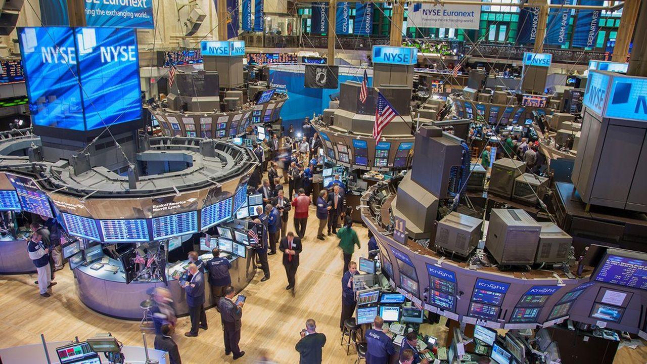 Wall Street ouvre en baisse après le rapport sur l'emploi