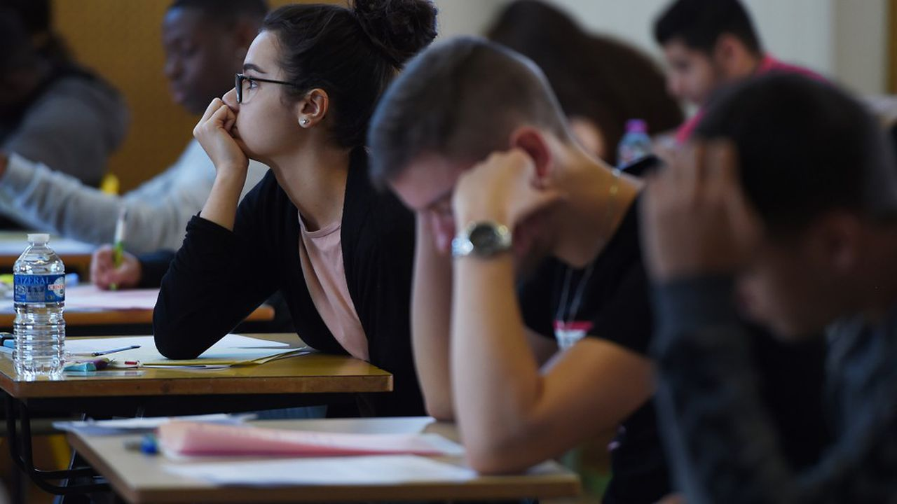 Les syndicats d'enseignants reprochent à Jean-Michel Blanquer son absence de dialogue sur la réforme du bac et du lycée. Le ministre de l'Education rétorque que sa porte a « toujours été ouverte ».