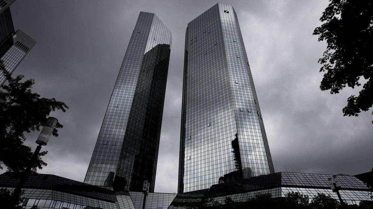 Le brief éco. La Deutsche Bank veut sortir de l'ornière
