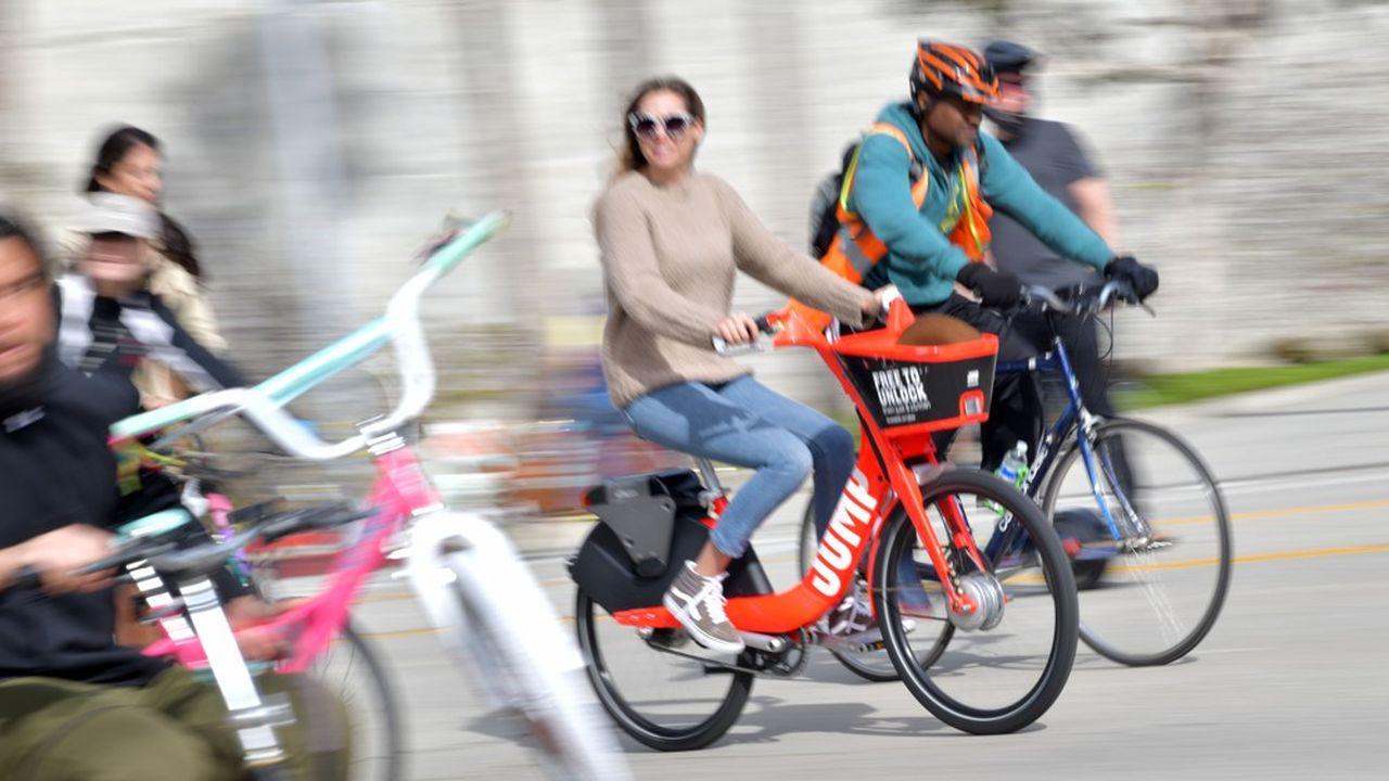 La montée en puissance se fera par étapes: la société de San Franciscoannonce 500 vélos rouge vif à assistance électrique disponibles ce jeudi, et autant de trottinettes, «avec un déploiement progressif dans les prochaines semaines».