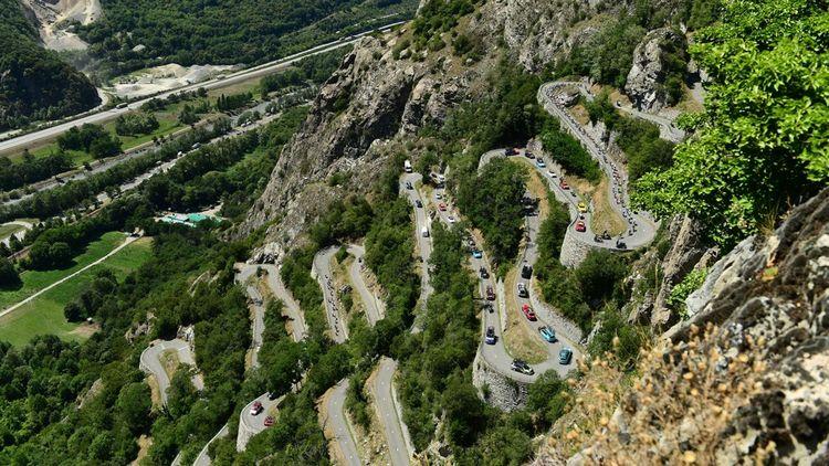 Sept étapes de montagne sont prévues cette année. En 2018, le Tour était passé entre Bourg-Saint-Maurice les Arcs et l' Alpe D'Huez