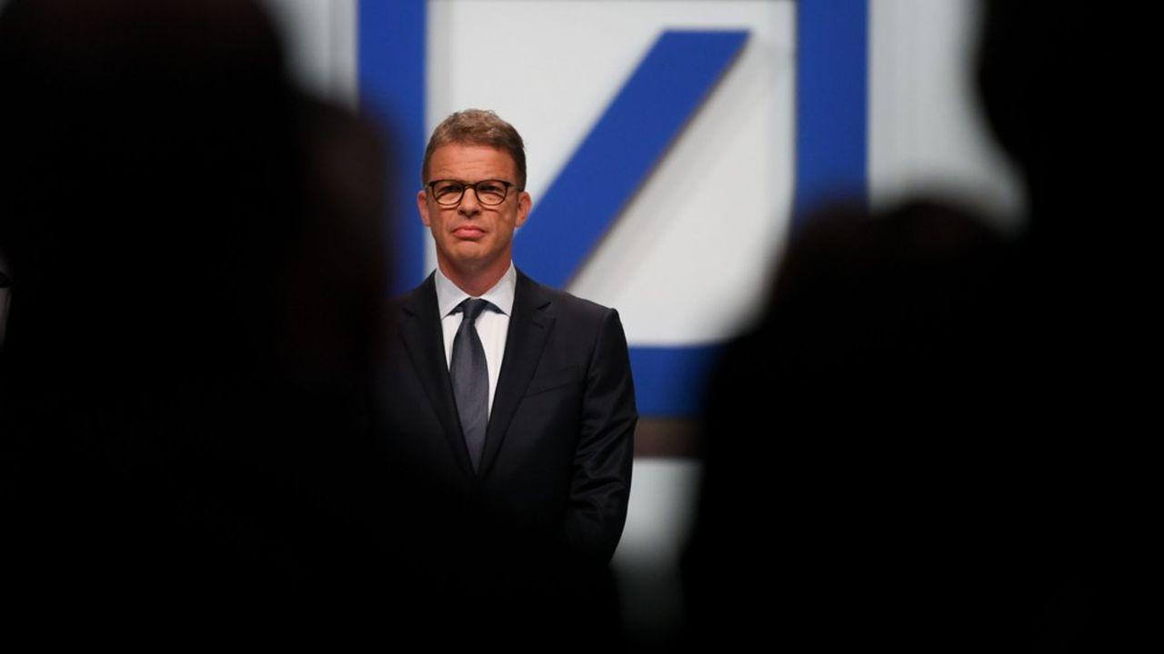 Après des années de restructurations infructueuses et un mariage raté avec Commerzbank, Christian Sewing prend le taureau par les cornes avec l'espoir d'offrir enfin un horizon pérenne à Deutsche Bank.