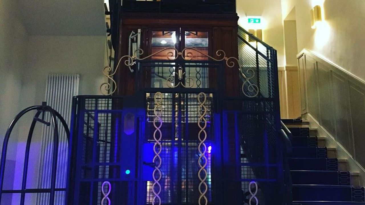 L'ascenseur d'origine a été conservé.