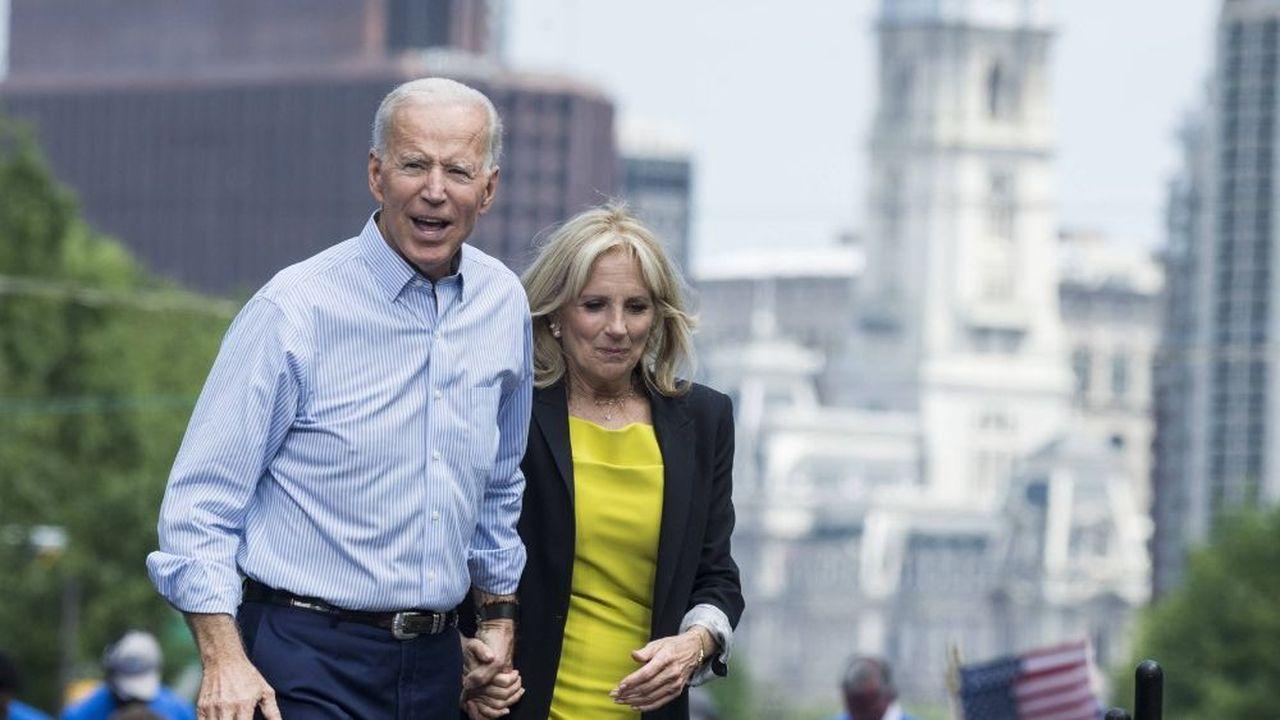En avril2017, l'ex-vice président d'Obama a signé avec un éditeur un contrat de 8millions de dollars pour trois livres, dont un coécrit avec son épouse, Jill Biden (photo)