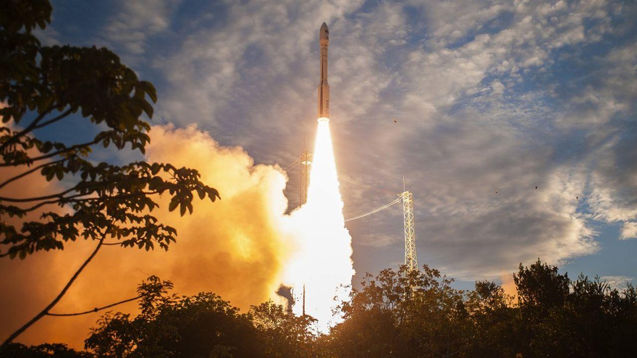 Image d'archives du décollage du lanceur Vega VV012 depuis le Centre spatial guyanais, le 22août 2018
