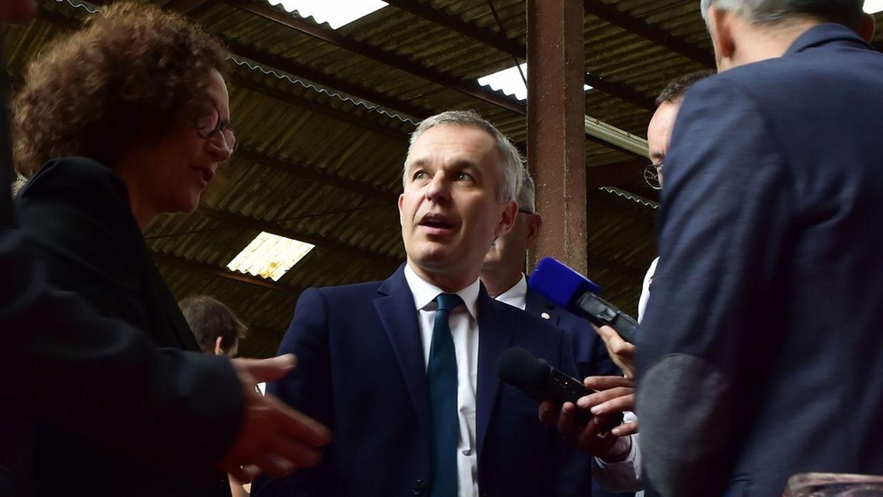 François de Rugy est accusé d'avoir reçu une dizaine de fois plusieurs groupes d'invités à l'Hotel de Lassay, dont les liens avec sa fonction protocolaire sont mis en question par Mediapart