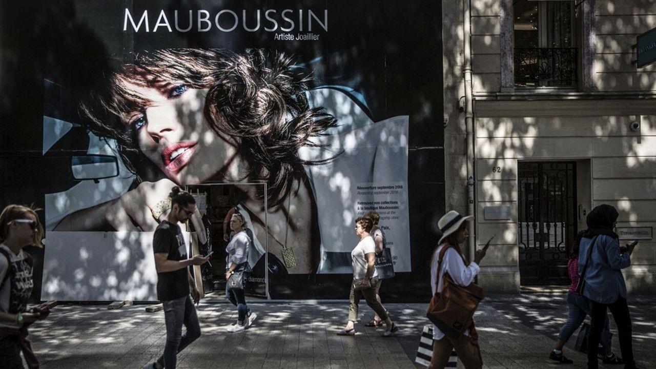 En prenant une participation majoritaire dans Mauboussin, Galeries Lafayette veut renforcer son expertise dans les métiers de la joaillerie.