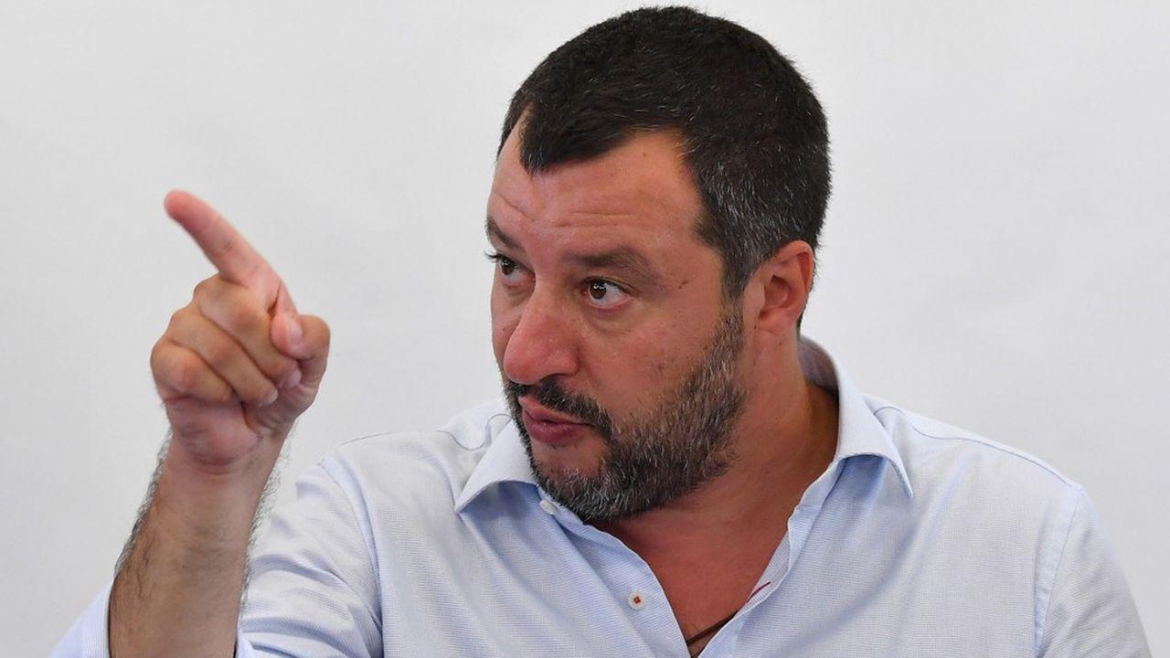 Vladimir Poutine serait une source de financements pour le parti de Matteo Salvini, affirment des journalistes italiens.