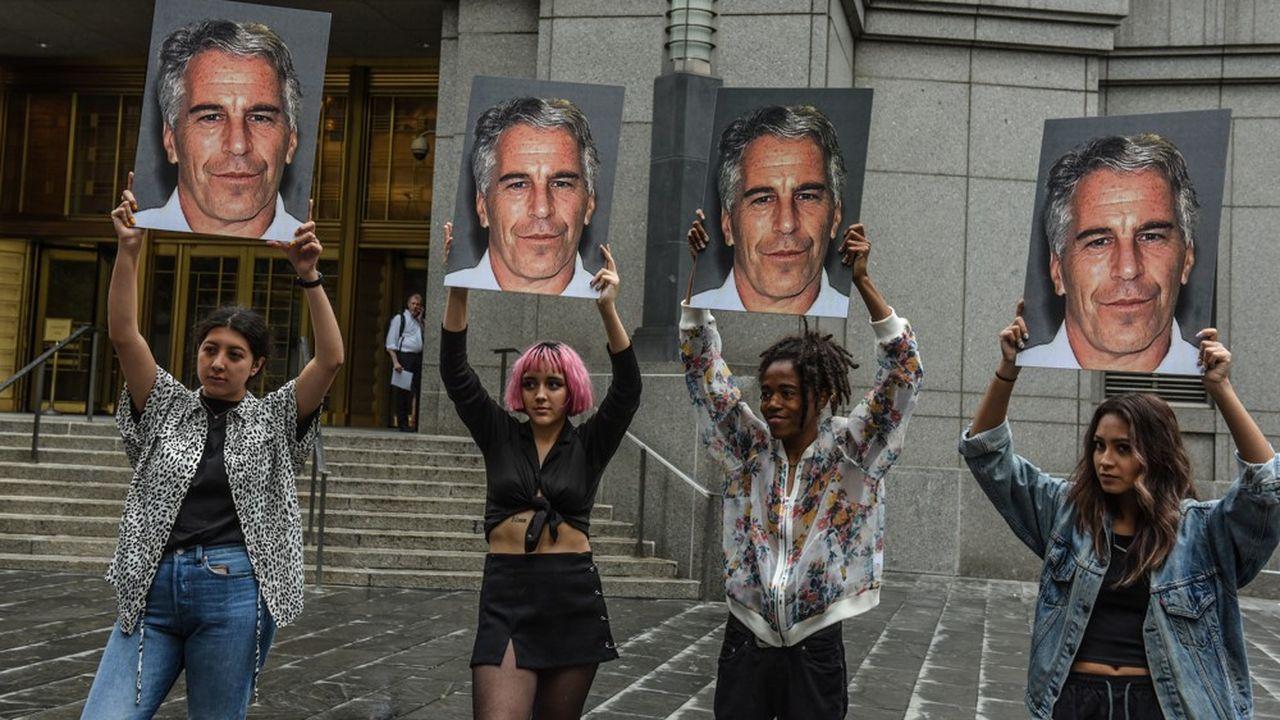 Jeffrey Epstein risque 45 années de prison pour exploitation sexuelle et trafic de mineures