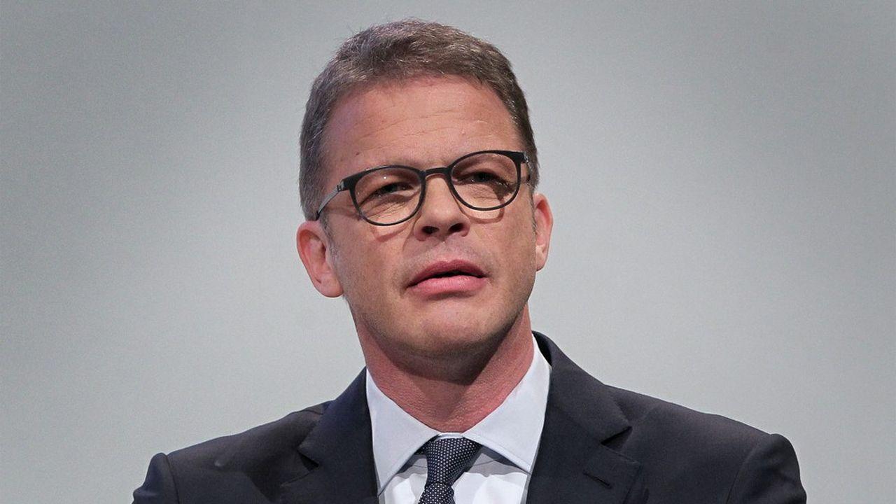 Deutsche Bank : Christian Sewing défend son plan de restructuration