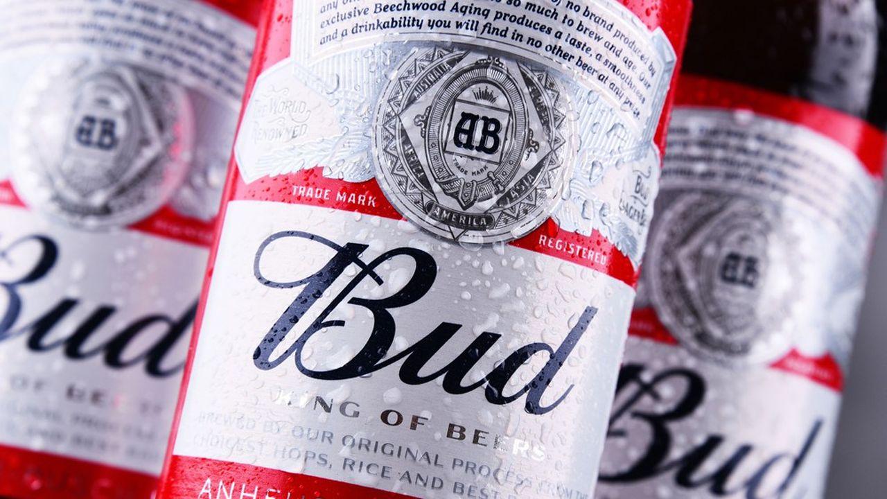 Selon Reuters, Budweiser APAC avait reçu des offres de la part de fonds spéculatifs et de gérants de fortune dans la fourchette indicative, mais certains investisseurs américains de long terme ont soumis des offres à moins de 40dollars de Hong Kong