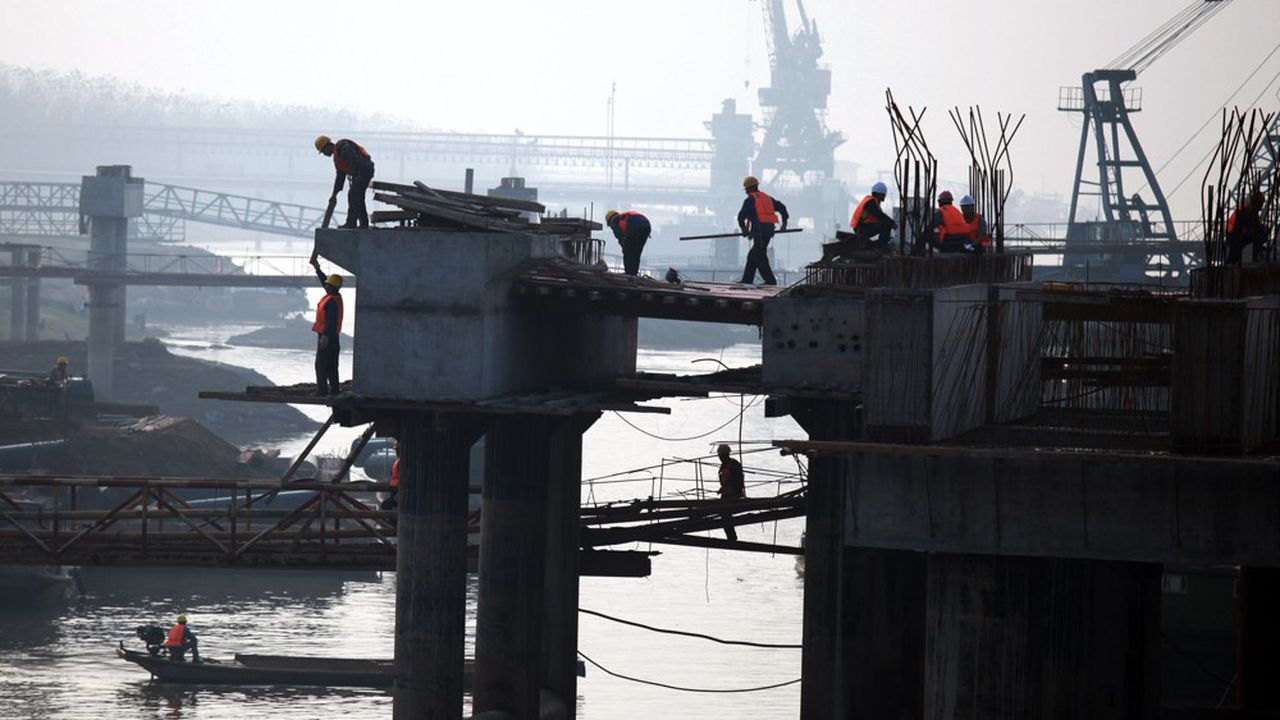 La Chine a produit quotidiennement des quantités record d'acier et de charbon en juin.