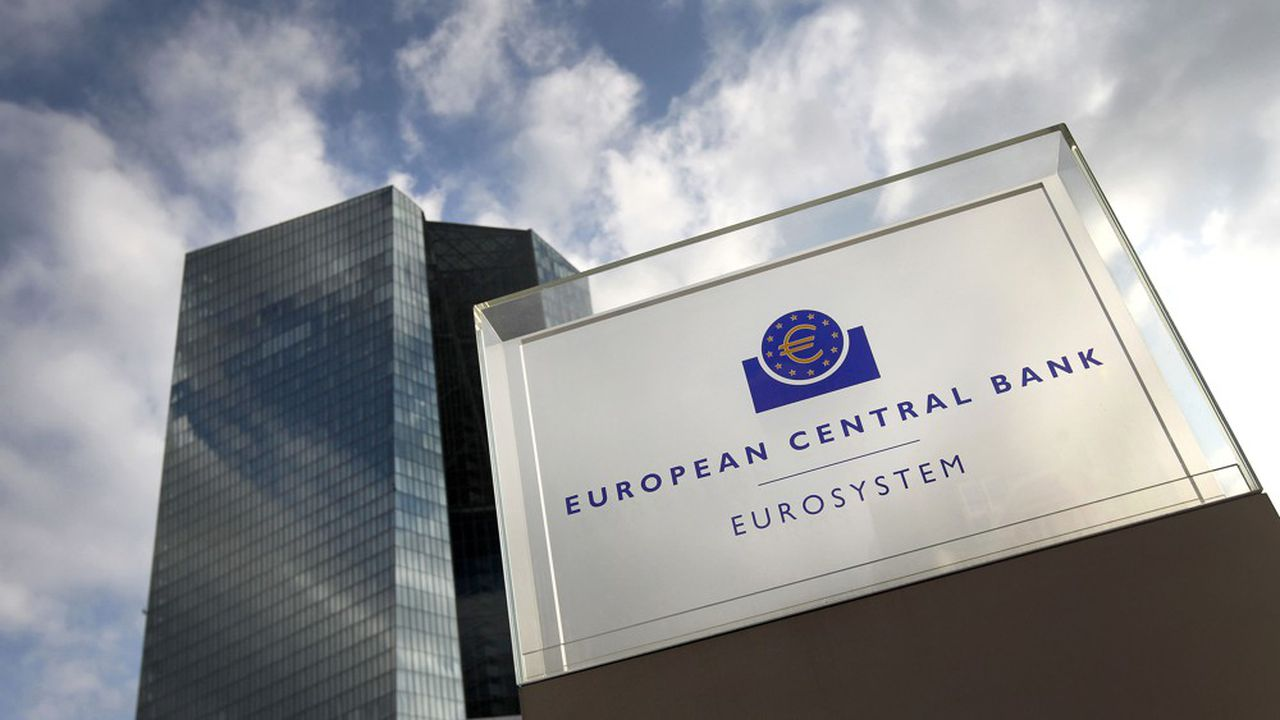 La politique de taux d'intérêt extrêmement bas dans la zone euro affaiblit les banques.
