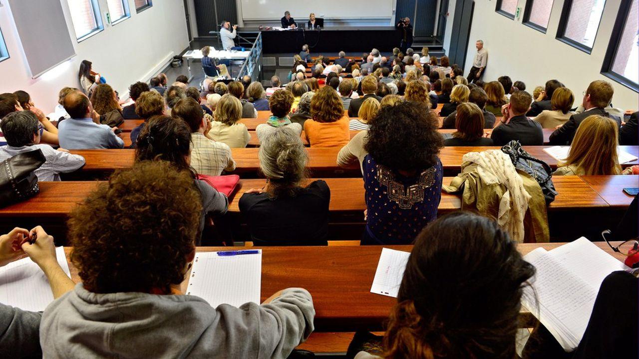 « Nous avons ouvert des places dans les filières correspondant aux demandes, de manière à ne pas les ouvrir au hasard, mais à ce qu'il y en ait plus, là où nous avions plus d'étudiants », affirmait la ministre de l'Enseignement supérieur, Frédérique Vidal, en juin.