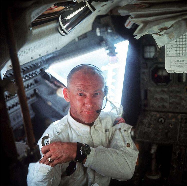 Edwin Eugene Aldrin, la deuxième personne à marcher sur la lune en 1969, tient son surnom «Buzz» de sa soeur.