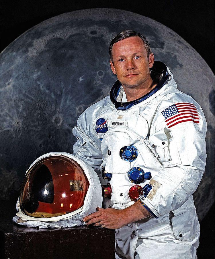Neil Armstrong, commandant de la mission Apollo 11 et premier homme à poser le pied sur la Lune, a été choisi par la Nasa pour son tempérament calme et modeste.