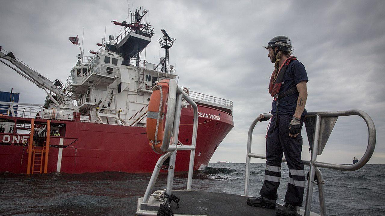 L'Ocean Viking, qui bat pavillon norvégien, a servi de navire d'approvisionnement et de sauvetage pour l'industrie gazière et pétrolière en mer du Nord.