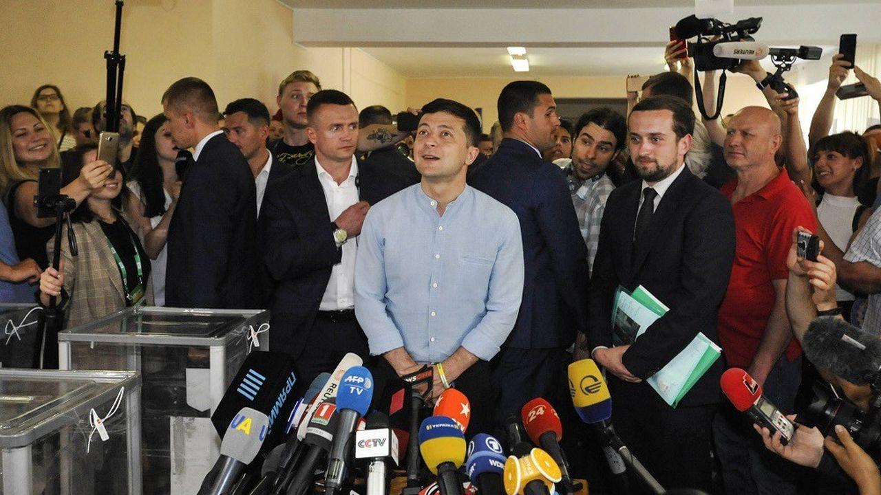Le nouveau président ukrainien Volodymyr Zelensky arrive largement en tête des législatives anticipées de ce dimanche.