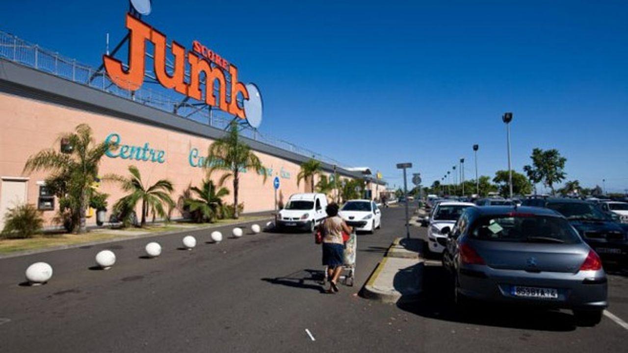 Quatre hypermarchés à l'enseigne Jumbo seront cédés à un nouveau venu dans le paysage du commerce réunionnais, Make Distribution, détenu par des «canniers», et passeront à l'enseigne Run Market, adossée à Intermarché.