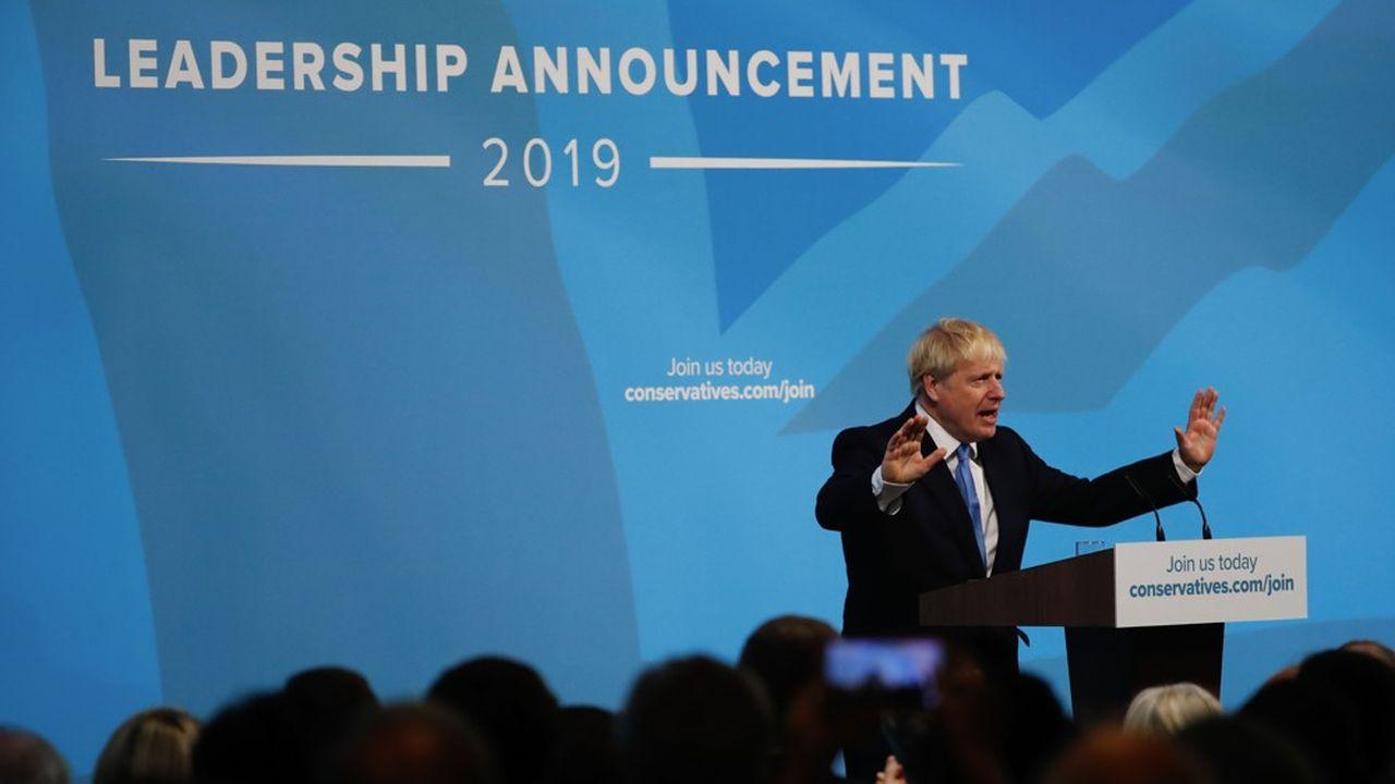 Boris Johnson n'a prononcé que quelques mots, sur scène, après avoir été élu à la tête du parti conservateur mardi. Mais il a eu le temps de faire rire la salle à plusieurs reprises, et de lui montrer son impatience d'en découdre autant que sa bouillonnante énergie.