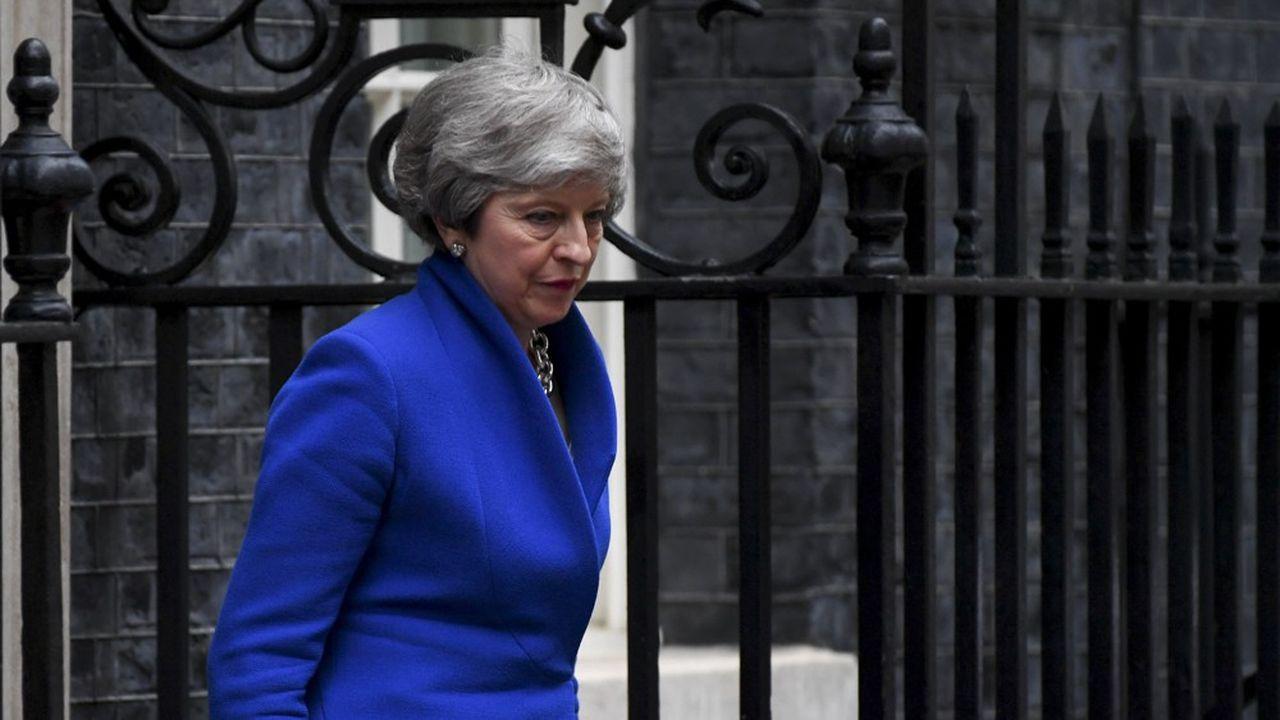 Theresa May s'apprête à quitter le 10 Downing Street après trois ans d'un mandat semé de turbulences. Elle va céder sa place à Boris Johnson, son ex-ministre des Affaires étrangères.