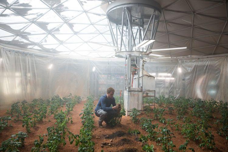 Dans 'Seul Sur Mars', l'astronaute parvient à cultiver des pommes de terre grâce à une culture hors sol.
