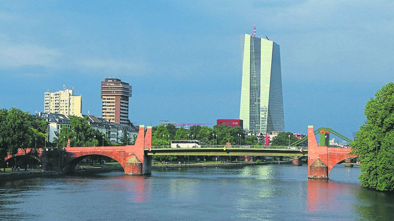 L'exigence affichée par les banques dans la zone euro en matière de crédit devrait être au coeur des discussions, très surveillées, des gouverneurs de la BCE ce jeudi.