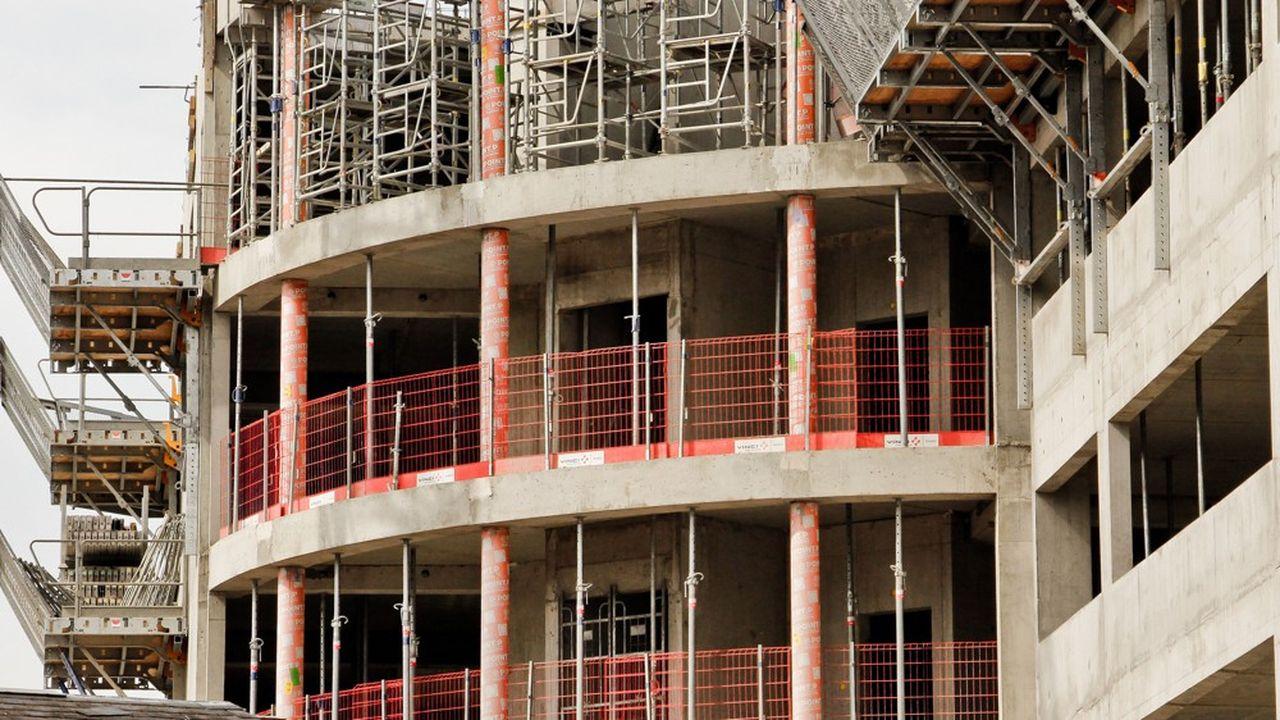 La fastidieuse instruction du permis de construire peut être confiée par le maire, s'il le souhaite, à un professionnel de la vérification.