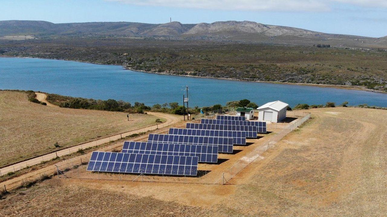 Pour le dessalement de l'eau de mer, Mascara a mis au point une technologie d'osmose inversée fonctionnant à l'énergie solaire.