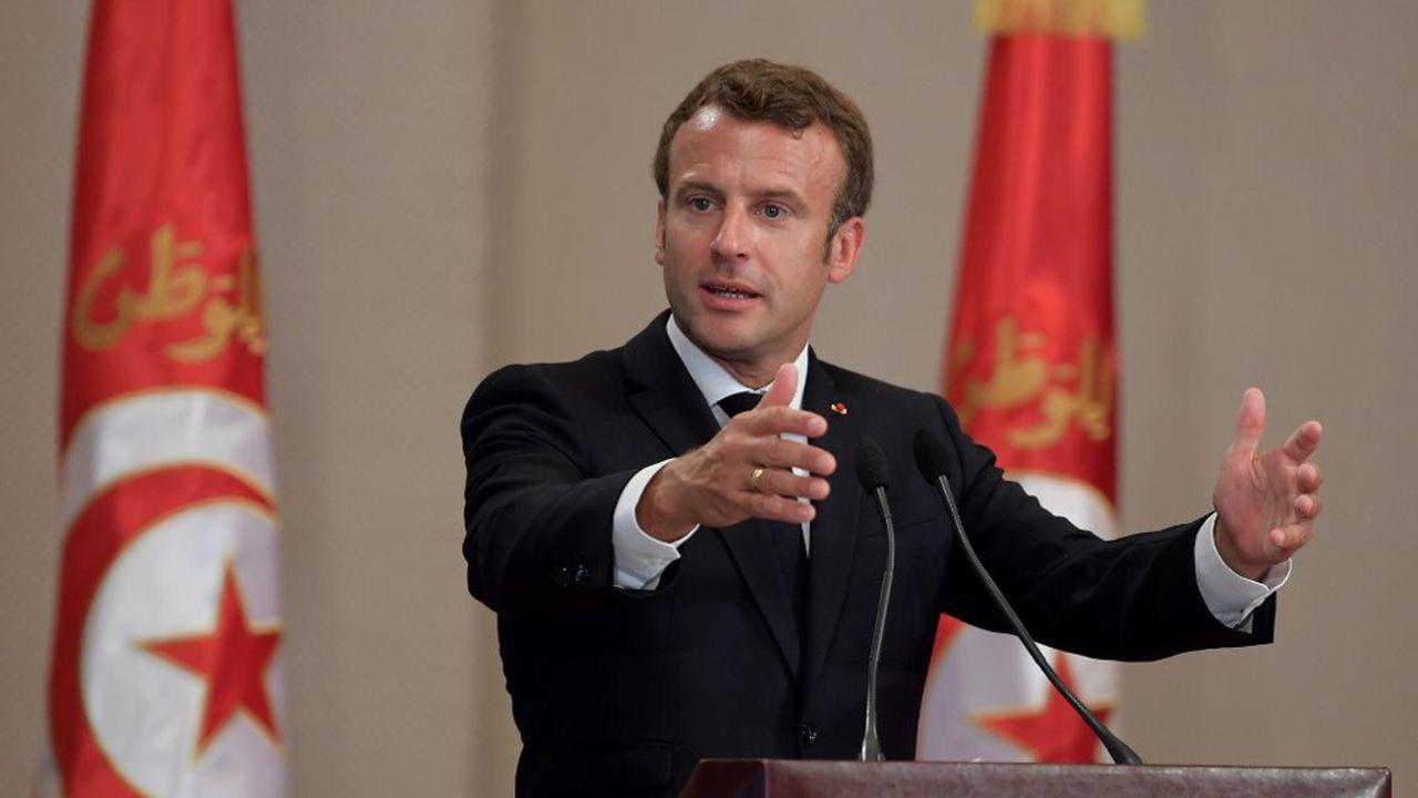 Emmanuel Macron a prononcé un long discours lors des cérémonies d'hommage au président tunisien Essebsi, samedi 27juillet à Tunis