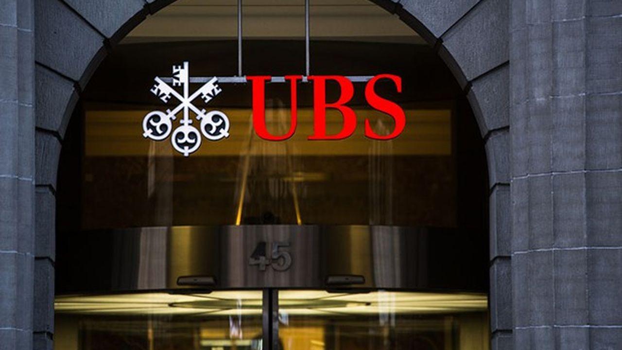 UBS craignait que les informations transmises par l'administration fiscale suisse au fisc français ne soient utilisées dans le cadre de la procédure pénale ouverte à son encontre en France.