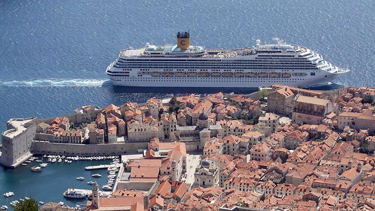 En Croatie, Dubrovnik, dépassée par le succès de la série «Game of thrones» tournée entre ses murs, a dû instaurer des quotas de touristes.