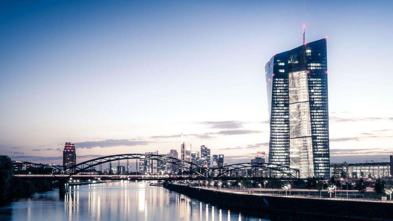 Les nouvelles mesures de soutien envisagées par la Banque centrale européenne pourraient renforcer la production de prêts et encourager les autorités à redoubler de vigilance pour prévenir une éventuelle surchauffe.