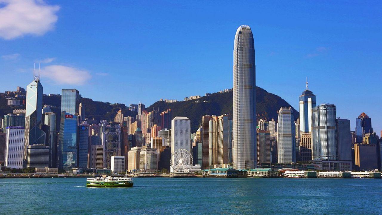 Hong Kong est encore la cinquième place financière mondiale. Son marché sert principalement aux introductions en Bourse de sociétés chinoises.