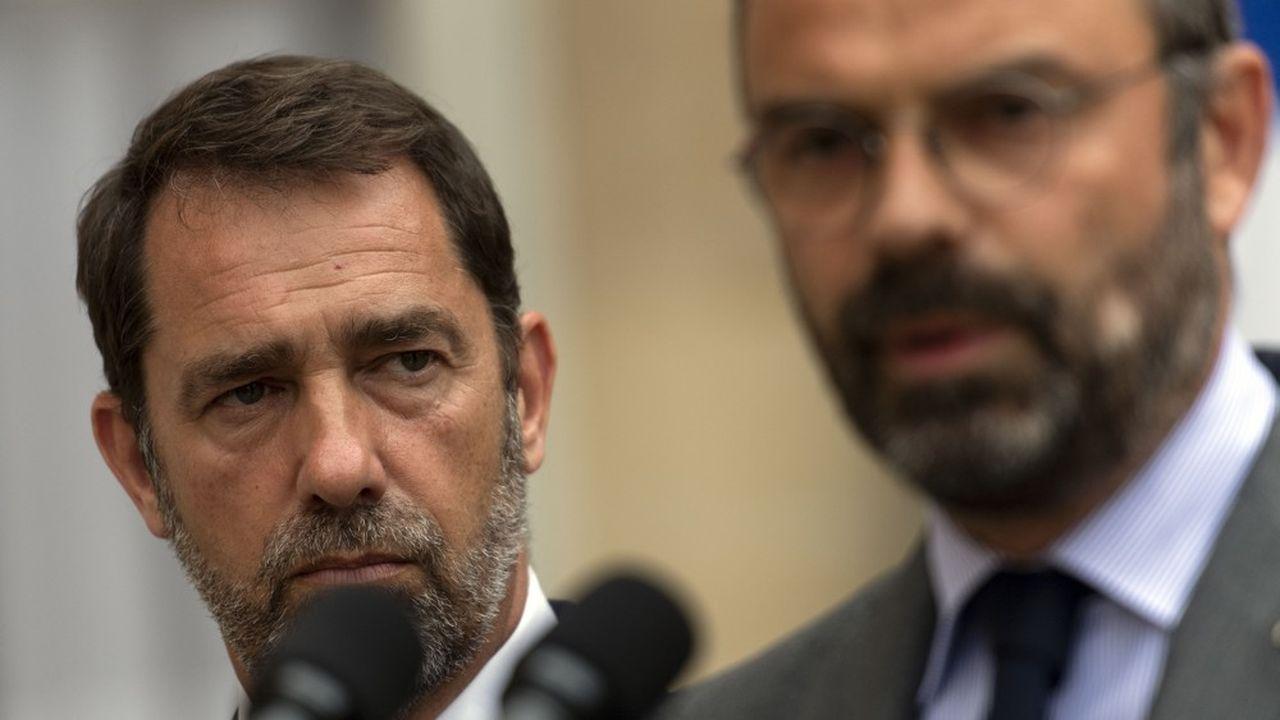 Le Premier ministre Edouard Philippe était en première ligne mardi pour présenter les conclusions du rapport de l'IGPN sur la soirée du 21juin à Nantes, durant laquelle Steve Maia Caniço, a disparu. A ses côtés, le ministre de l'Intérieur, Christophe Castaner, est resté silencieux, en retrait.
